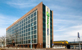 Holiday Inn Sloterdijk 3*